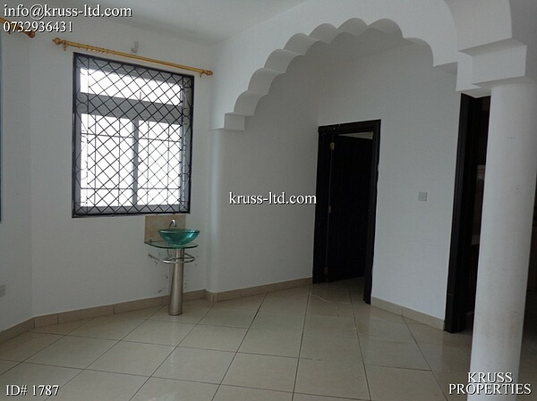 3 bedroom master ensuite apartment for let in Nyali near city mall
