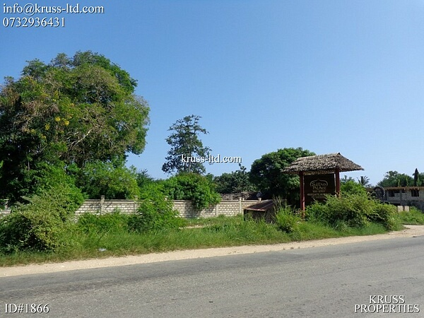 1/8 acre for sale in Kikambala along Malindi highway