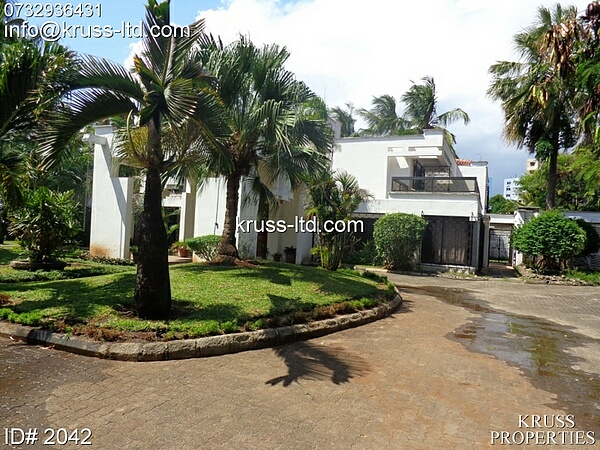 4br house for rent in Nyali off Links road