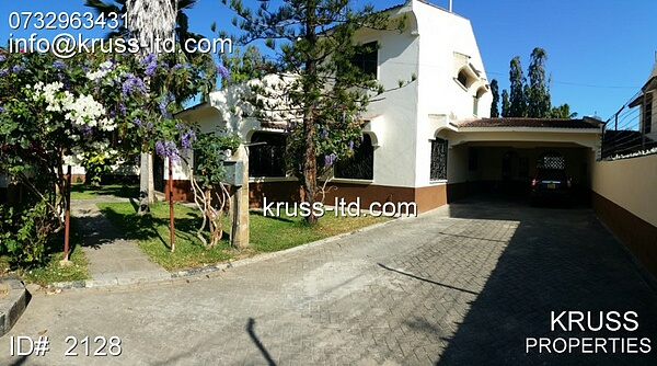 4br spacious house with sw.pool for rent in old Nyali