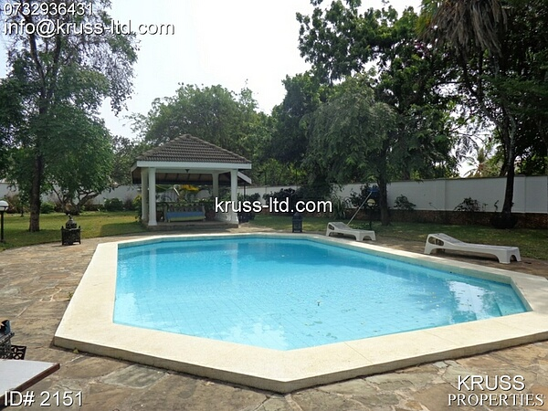 4br bungalow for rent in Nyali off Green wood drive
