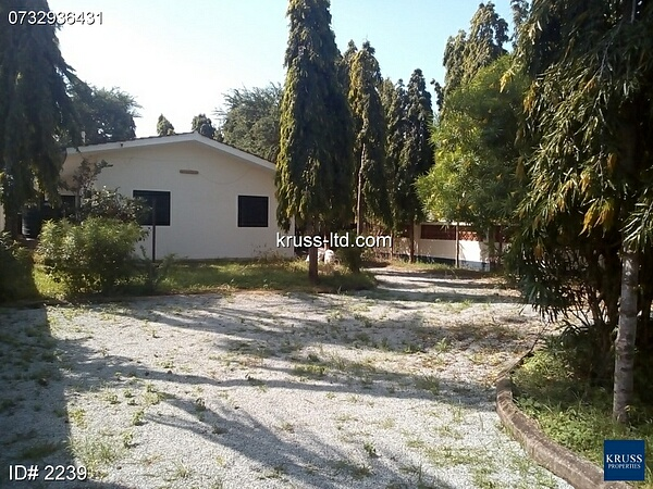 3br bungalow house on cozy 1/4 acre own compound for rent in Nyali