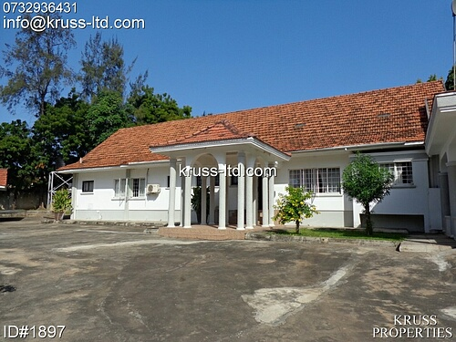 3 br bungalow with detached 2br guest wing for rent in Nyali
