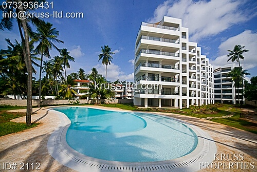 3br executive beach apartment for rent in Bamburi beach