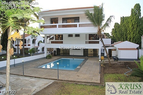 Main 4br plus Guest 3b houses  all en-suite for rent in  Old Nyali