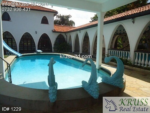 4 bedroom beach villa house with 2br guest wing for rent in Nyali