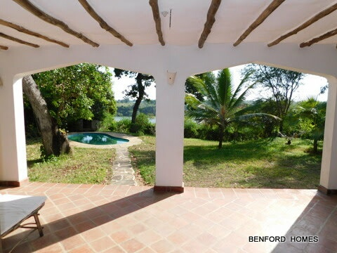 4 bedroom house on 1 acre compound in the Creek of Mtwapa to let (for rent)