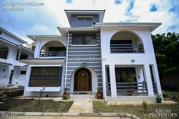 4 bedroom villa house for rent in Nyali