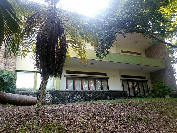 4 br house on 1.5 acre for rent in Nyali