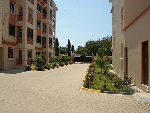 3 br apartment for rent in nyali on Links Rd