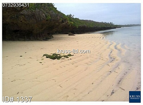 22 acre cliff / beach plot of land for sale in Tiwi