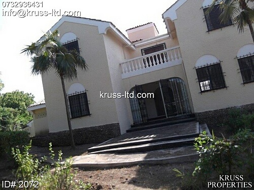 4br house for sale in half acre land in Nyali