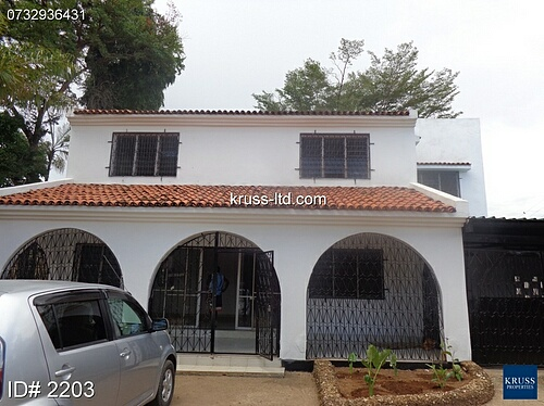 4 Bedroom house own compound for rent in Nyali